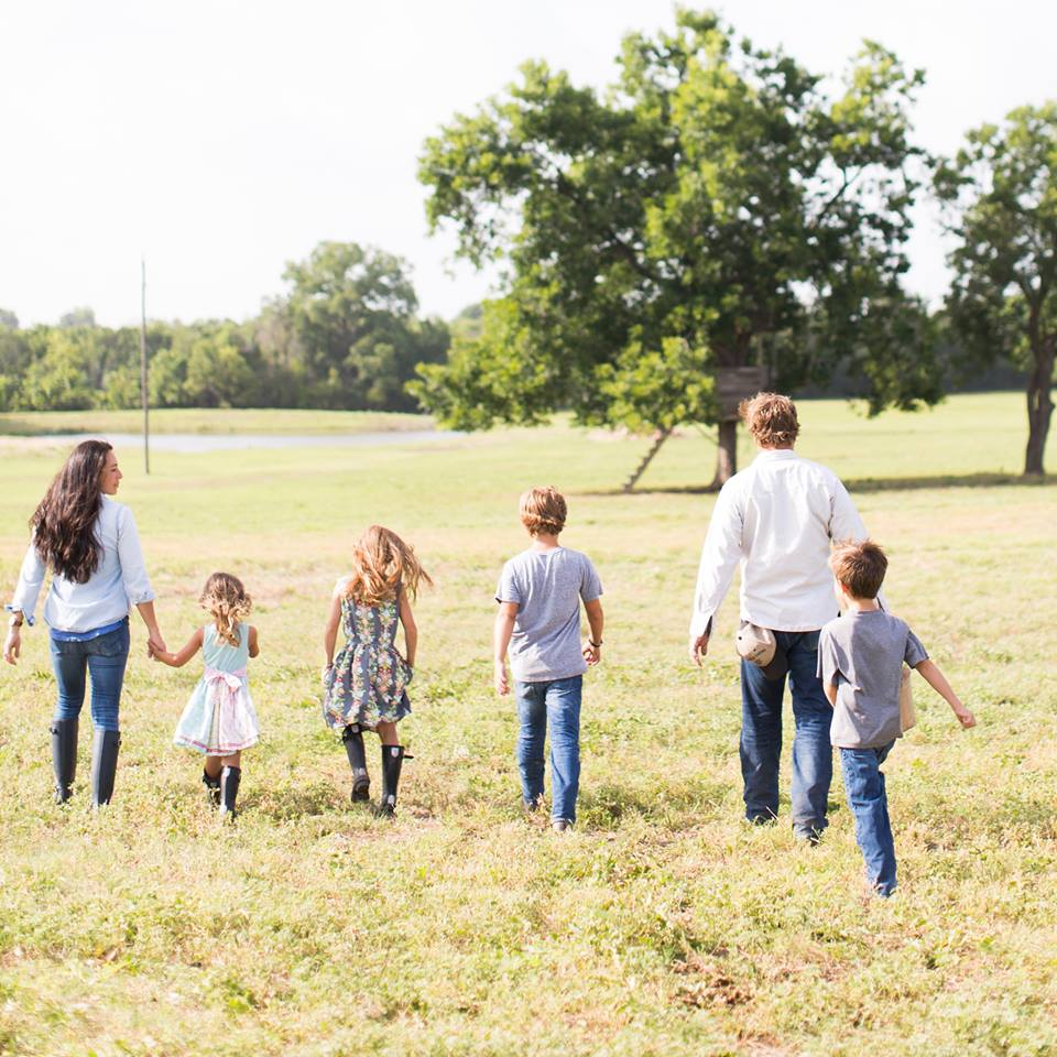 """""""Joanna Gaines and her family""""的图片搜索结果"""