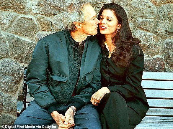Shortly following his split from Fisher, Eastwood fell for TV news anchor Dina Ruiz. They were married for 17 years, splitting in 2013