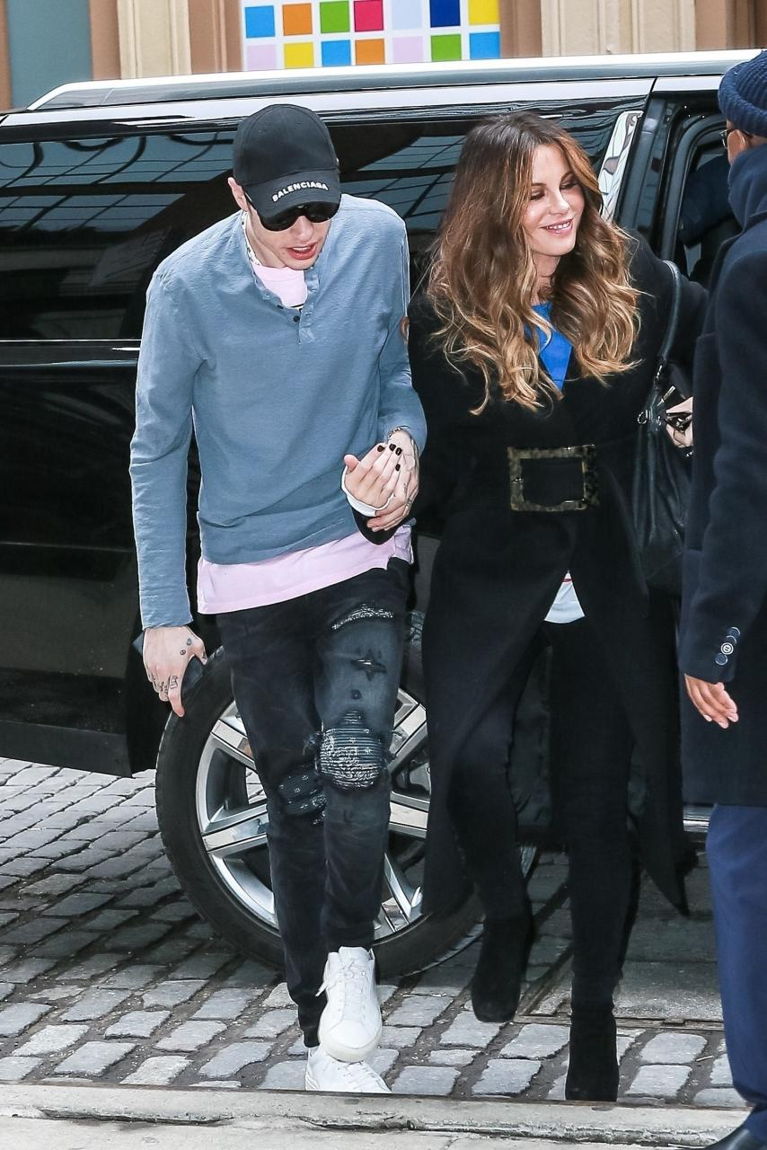 Kate Beckinsale and Pete Davidson hold hands in New York City.