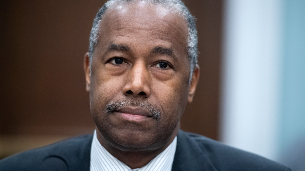 Watch Ben Carson Refuse to Back Up Trump's Boasts About Helping Black America – Mother Jones