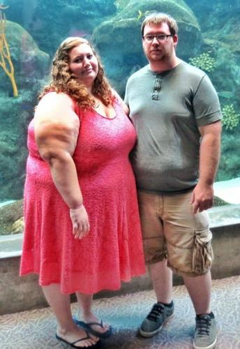 /fitness/one-womans-incredible-rise-to-fame-after-shedding-a-whopping-420-lbs/img/RiseToFameAfterSheddingaWhopping420lbs01__MobileImageSizeReigNN.jpg