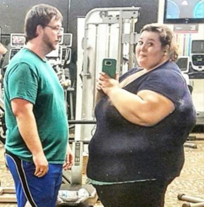 /fitness/one-womans-incredible-rise-to-fame-after-shedding-a-whopping-420-lbs/img/RiseToFameAfterSheddingaWhopping420lbs11__MobileImageSizeReigNN.jpg
