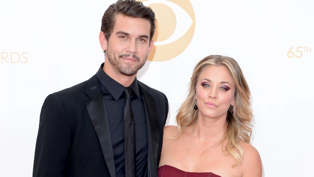 Kaley Cuoco posing with Ryan Sweeting